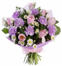 Цветы и подарки для девушки 100